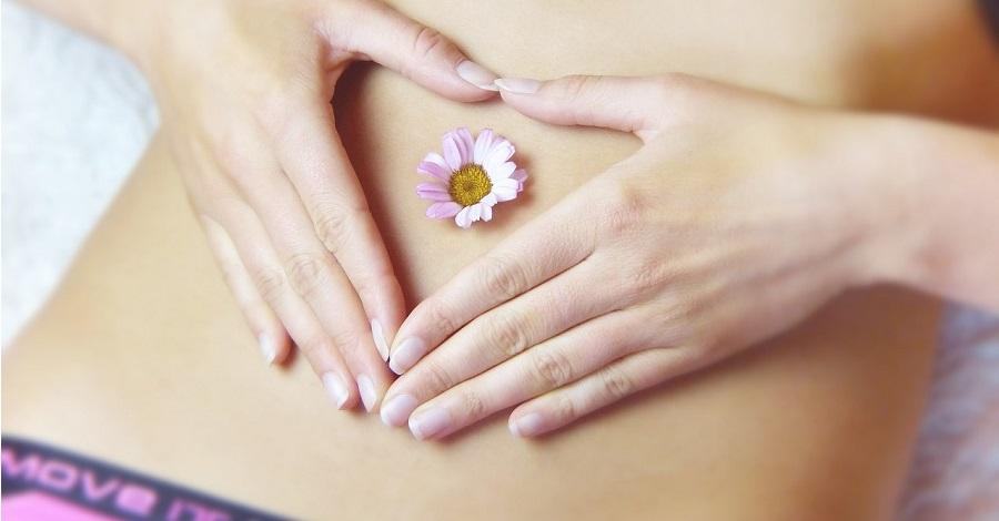 Bolestivá menštruácia – ako zmierniť bolesti bez tabletiek ?